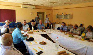 השרים אריאל וליצמן במפגש בנגב. צילום: דוברות